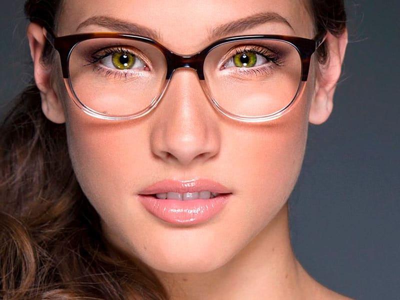Как правильно сделать макияж под очки с диоптриями