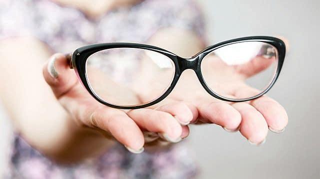 Нужно очки носить постоянно