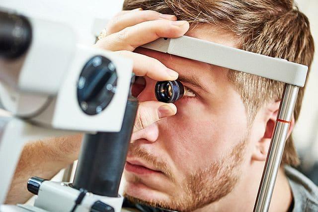 Восстанавливают ли очки зрение