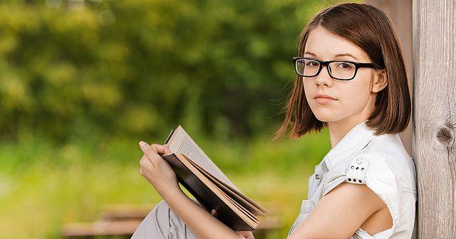 ухудшается, падает зрение у подростков