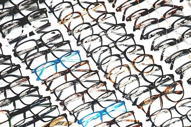Какие очки лучше металл или пластик